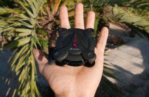 El drone Eachine E55 cabe en la palma de tu mano